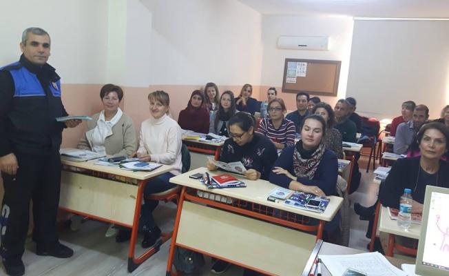 Alanya polisinden yerleşik yabancılara seminer