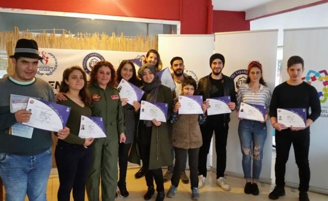 Gençler sertifikalarını aldı