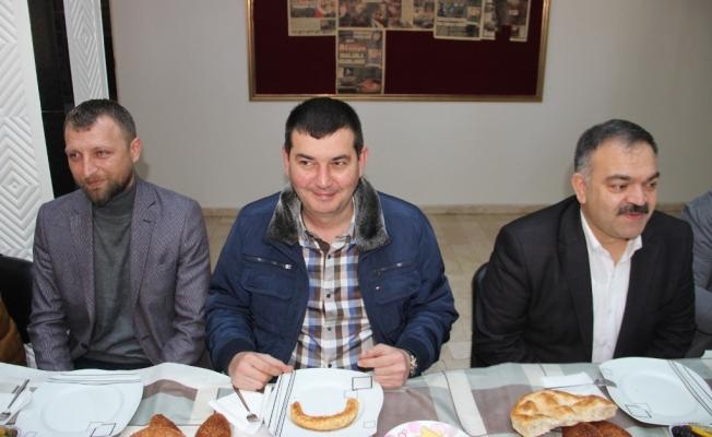 MHP kahvaltılara devam ediyor