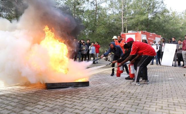 Misafir öğrencilere yangın eğitimi