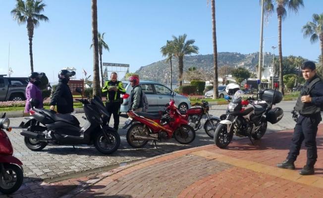 Kurallara uymayan motosikletlilere af yok