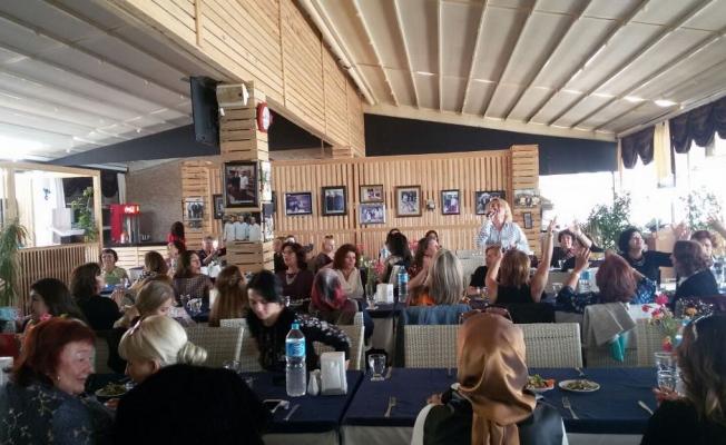 Öztürk Kolcuoğlu'dan kadınlar matinesi