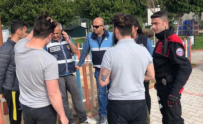 Polis parklarda denetimlerini sürdürüyor