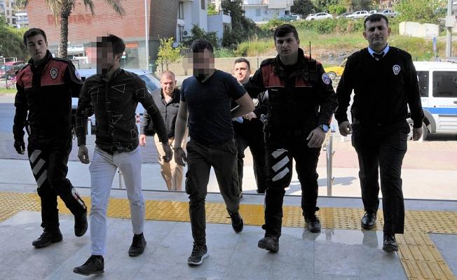 Bıçaklı kavgaya karışan 2 kişi tutuklandı