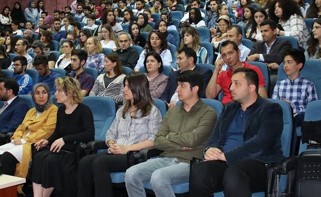 MEB HBÖ Genel Müdürü Gül  ALKÜ'de öğrencilerle buluştu