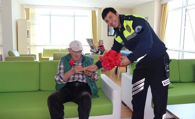 Polisten huzur dolu ziyaret
