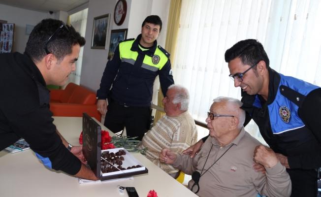Türk Polisi yaşlılarımızı unutmadı