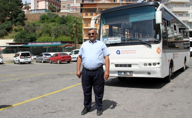 Otobüsle yolcuyu  hastaneye yetiştirdi