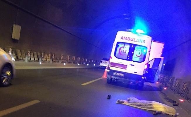 Tünelde kamyon bisikletlileri biçti : 1 ölü 2 yaralı