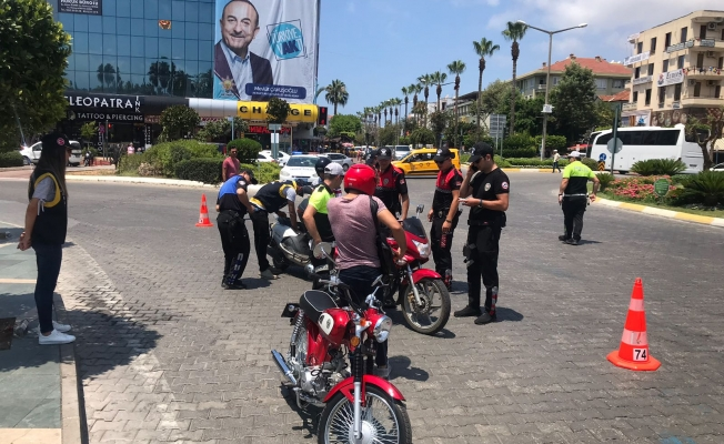 Alanya Polisi'nden Bayram Öncesi Sıkı Denetim
