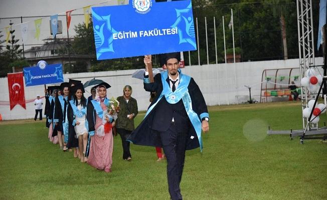 ALKÜ'de mezuniyet heyecanı