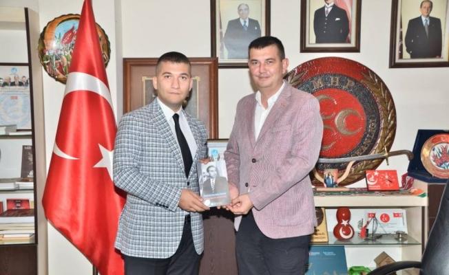 Türkdoğan ve Gündoğdu'ya imzalı kitap!