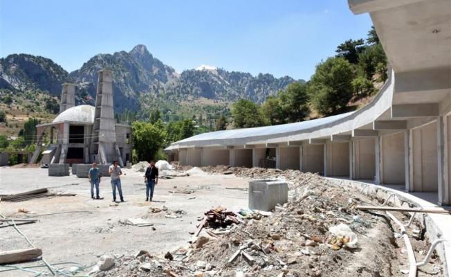 Yaylaya yeni çarşı  ve cami yapılıyor