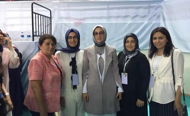 Ak Partili kadınlar kongreye katıldı