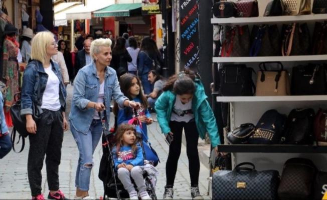 Antalya'da turistler az harcadı