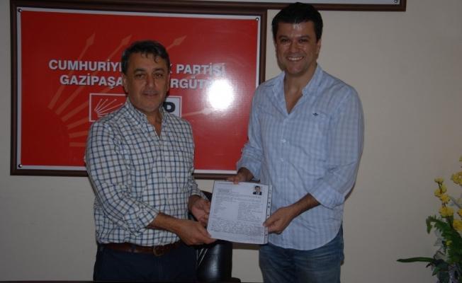 Gazipaşa'da ilk aday Özçelik