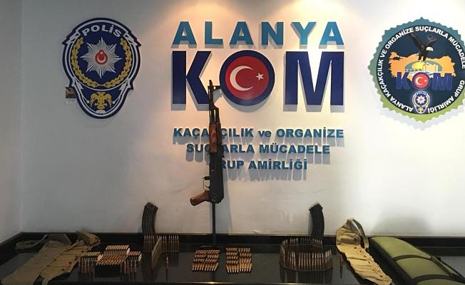 Alanya'da Kalaşnikoflu magandalar yakalandı