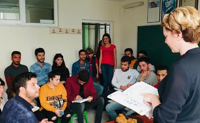 ALKÜ'lü öğrenciler  Rusça öğreniyor