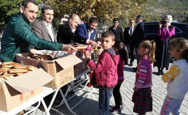 MÜSİAD'tan kırsal okullara ziyaret