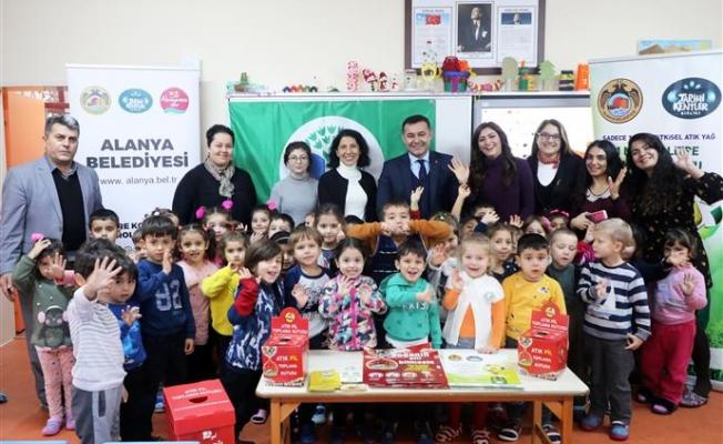 Alanya'nın çevreci okuluna Başkan Yücel'den anlamlı ziyaret