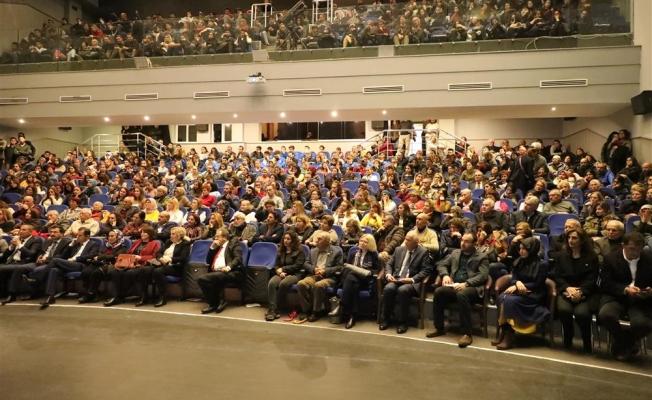 Eğitim ile geleceğe bakış konferansına yoğun ilgi