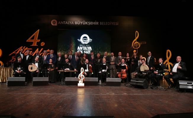 Türk Sanat Müziği'nin  kalbi Antalya'da attı