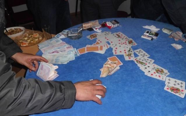 Alanya'da kıraathaneye kumar baskını!