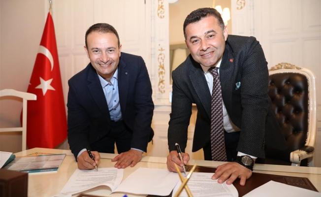 Başkan Yücel imzaları attı! Dünya Kupası yarışları Alanya'da yapılacak