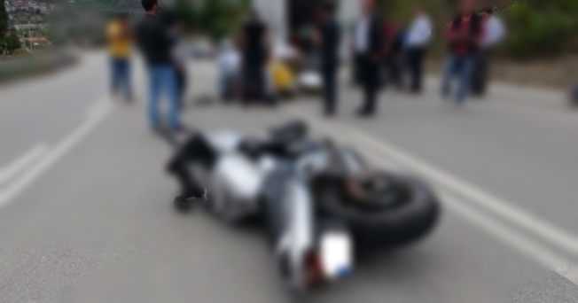 Alanya'da motosiklet kaygan yolda kaza yaptı: 1 ağır yaralı