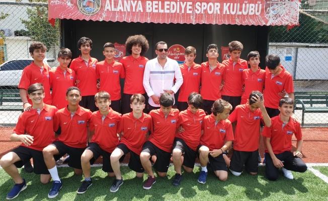 Alanyalı sporcular Türkiye Şampiyonası için yola çıktı!