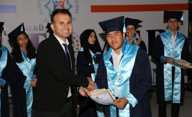 ALKÜ-TÖMER ilk  mezunlarını verdi
