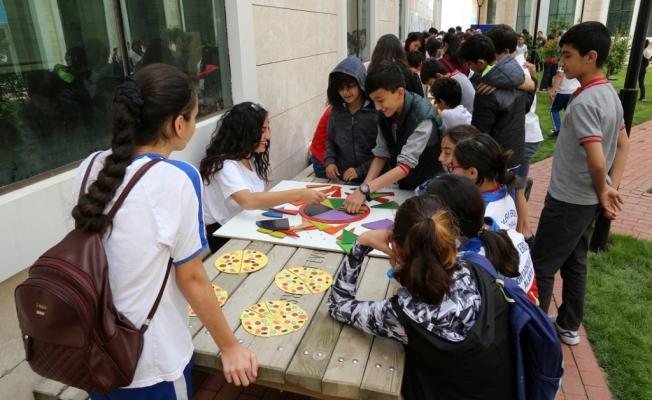 ALKÜ'de Fen ve Matematik sokağı etkinliği