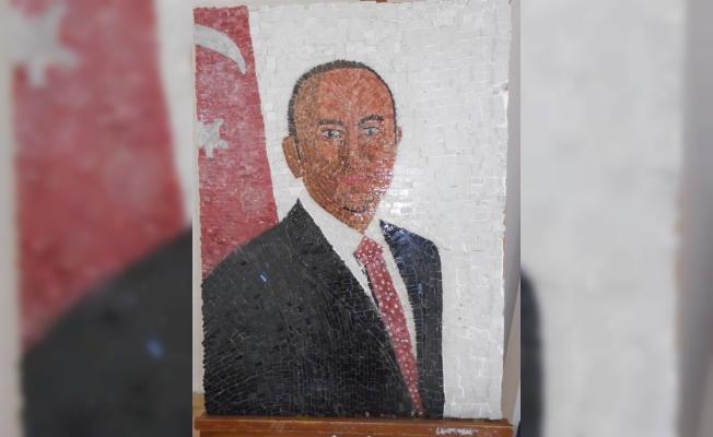 Çavuşoğlu'nun portresi satışa çıktı