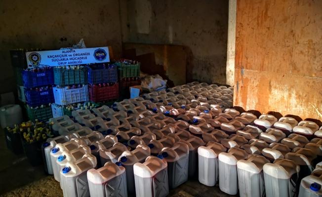 Alanya'da 6 bin 570 litre kaçak içki ele geçirildi