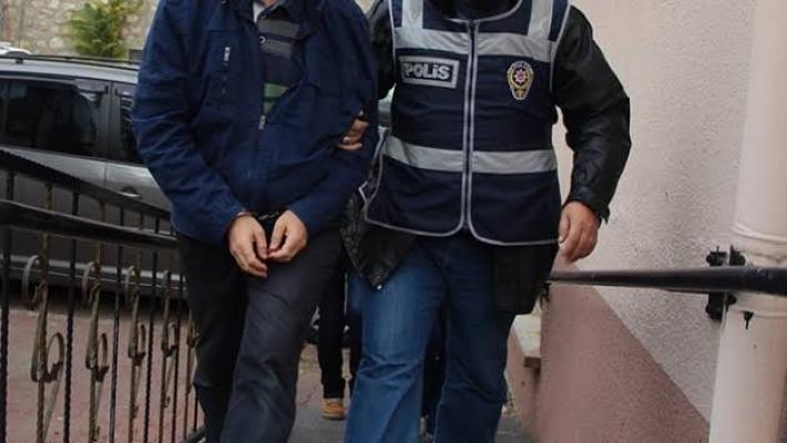 Alanya'da sosyal medyada terör korkusu yaratan şahıs yakalandı