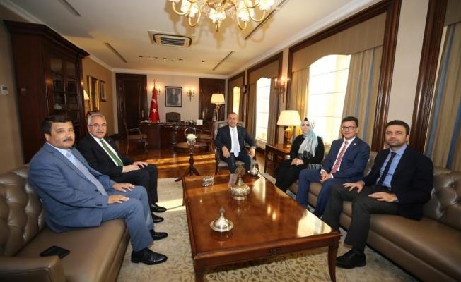 Çavuşoğlu, Antalyalı vekilleri ağırladı