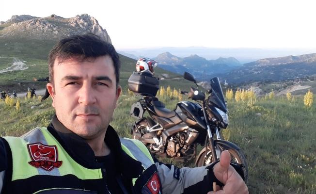 Gezgin Motorcular'danzirvede bayram çıkartması
