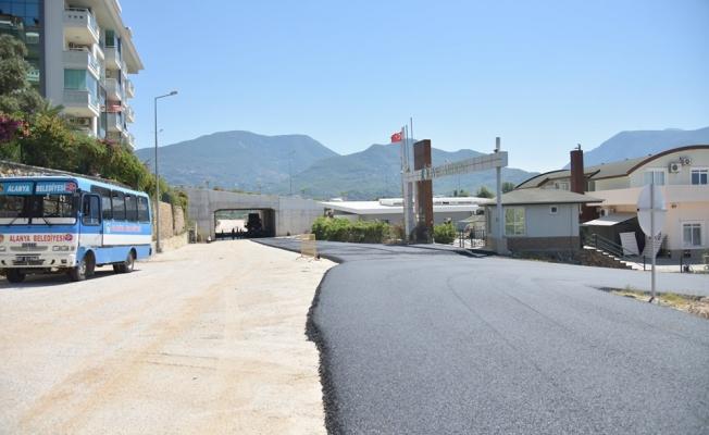 Belediyeden Oba'ya sıcak asfalt