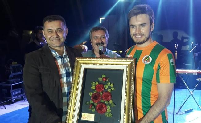 Tokar, Mustafa Ceceli'yle şenlendi