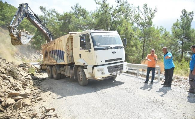 Alanya Belediye yol genişletme çalışmalarını sürdürüyor