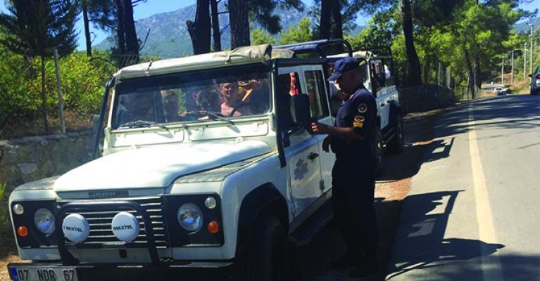 Alanya'da jandarmadan safaricilere sıkı denetim