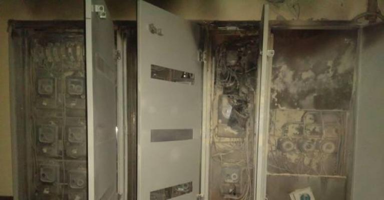 Alanya'da elektrik panosunda çıkan yangın korkuttu