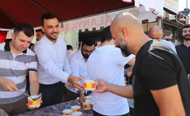AK Parti'den sanayide aşure ikramı