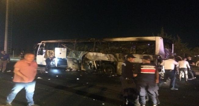 Alanya otobüsü İzmir'de alev aldı