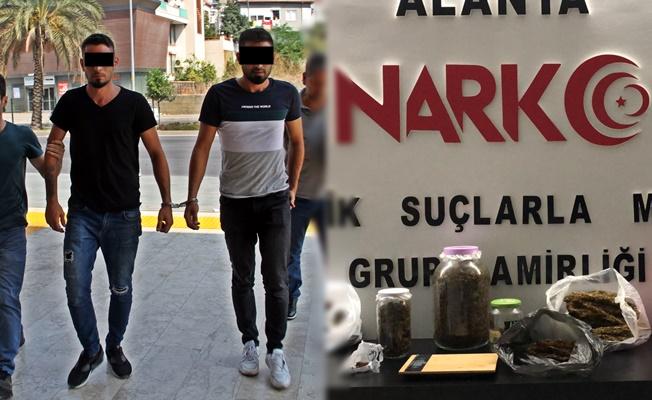 Alanya'da 2 kardeş 2 kilogram uyuşturucuyla yakalandı!