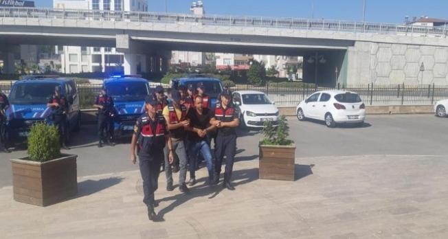 Belediye başkanının evine ateş açan 4 şahıs yakalandı