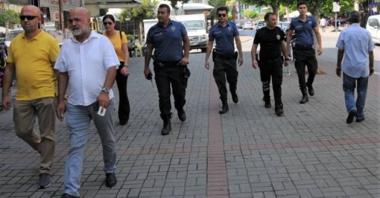 Polis ekipleri okulların çevresini didik didik aradı