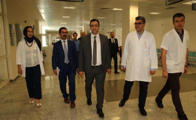 Rektör Kalan'dan hastaneye ziyaret