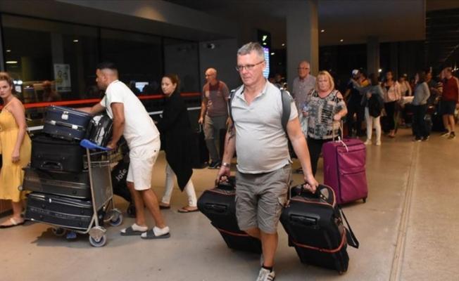 Thomas Cook misafiri 4 bin 920 turist ülkelerine gönderildi