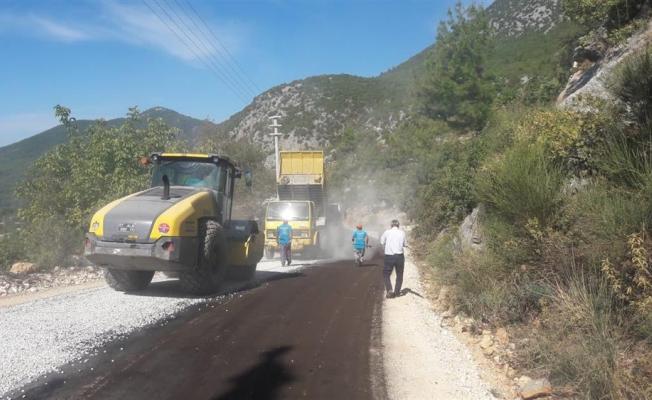 Alanya Belediyesi kırsalın yol sorununu çözüyor